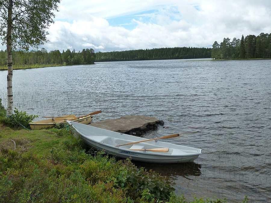Bereits im Hauspreis enthalten - zwei 14 Fuß Ruderboote