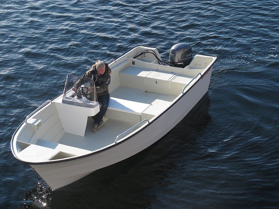 Ihr Angelboot. Achtung! Abbildung ähnlich.