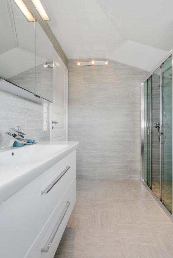 Eines der Badezimmer im Haupthaus...