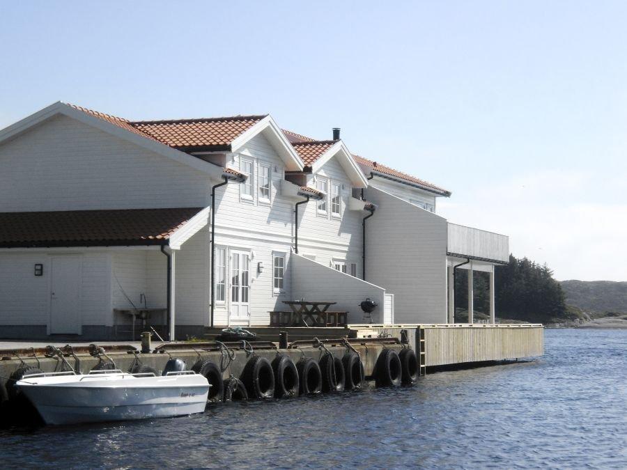 Bootszugang direkt vorm Haus.