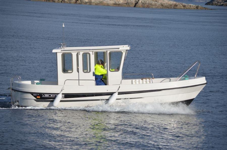 Kabinenboote der Marke Venatus bringen Sie sicher und schnell zum Fisch. Alle Boote mit Echolot/GPS/Kartenplotter
