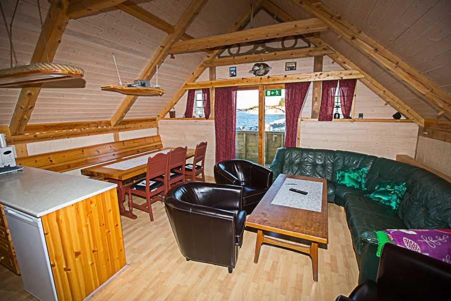 Top gepflegt präsentiert sich der Wohnbereich von Rorbu Kjell.