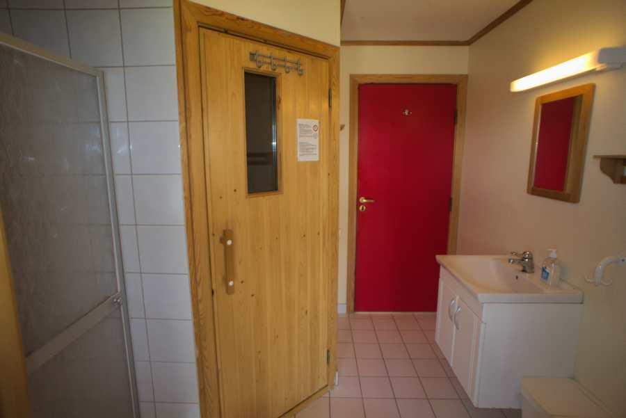 Badezimmer mit Sauna im Typ Haus