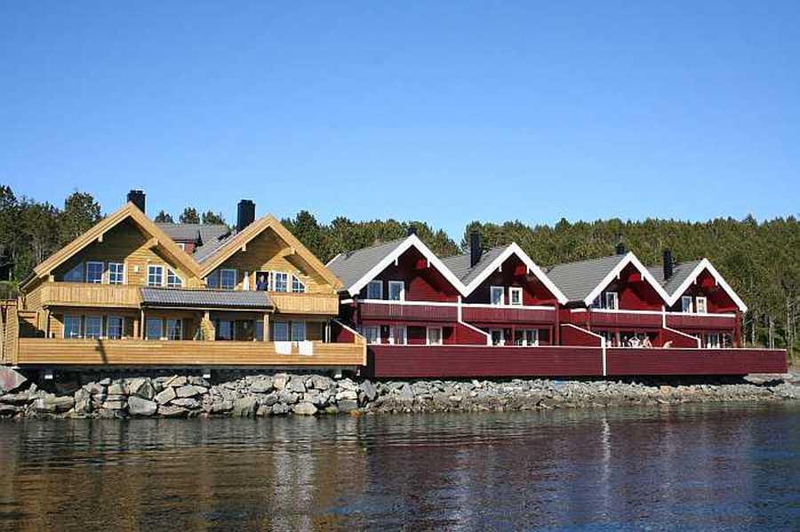 Es gibt hier mehrere Apartments, sowie auch freistehende Ferienhäuser
