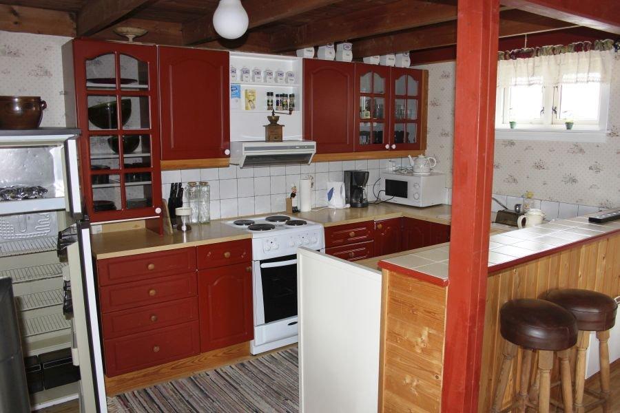 Küche mit kleiner Bar