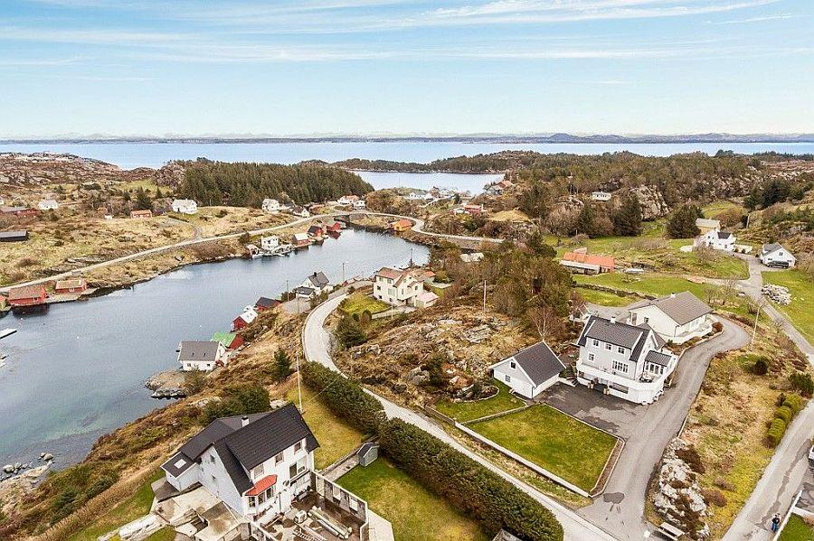 Der Blick von oben auf das Ferienhaus.