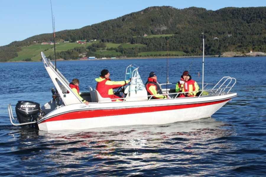 Stark motorisierte Boote mit moderner Ausstattung sorgen für unbeschwerte Großköhler-Expeditionen...