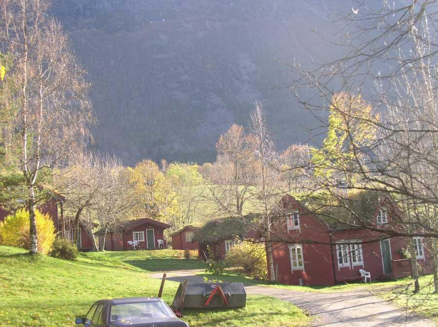 Hier ein Blick auf die verschiedenen Ferienhäuser von Lensmansgarden
