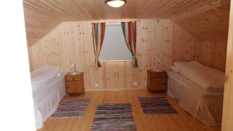 Schlafzimmer 1...