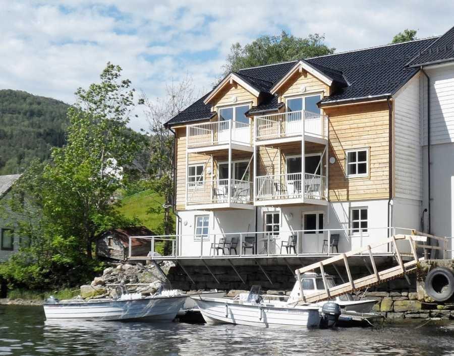 Brandneu: Im Neubau direkt am Wasser befinden sich die Wohnungen 1, 2 und 3.