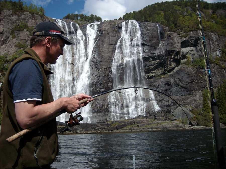 Drill am Wasserfall