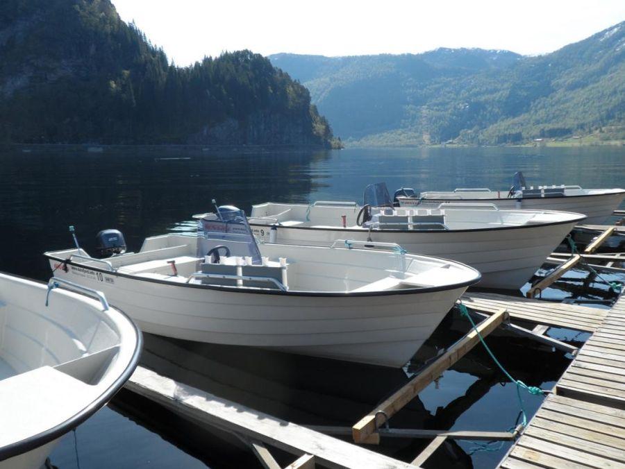 Sie können sich ein Boot nach Wunsch ans Haus legen lassen.