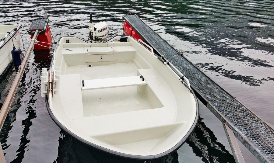 Das kleinere Angelboot