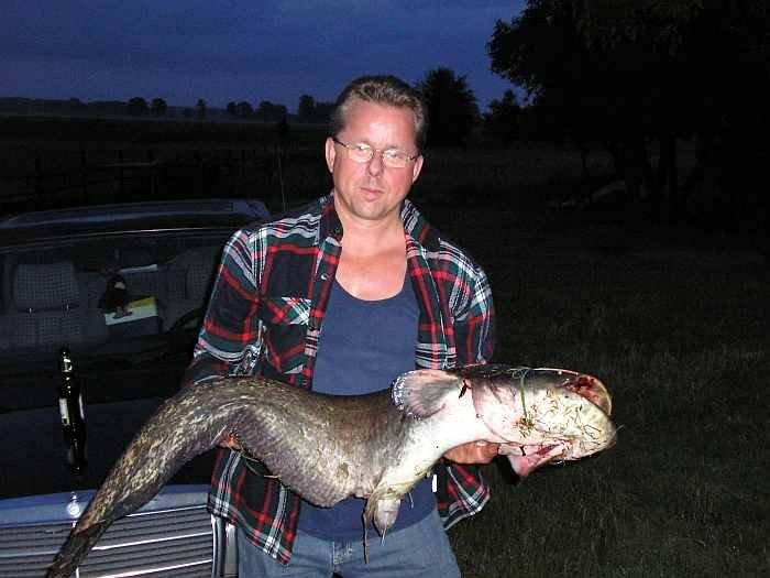 Ihr Gastgeber Jarek mit seinem Zielfisch Nr. 1