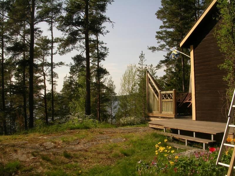 Rückseite vom Ferienhaus Högas mit Blick auf den See Lelång