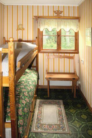 Schlafzimmer mit einem Etagenbett.