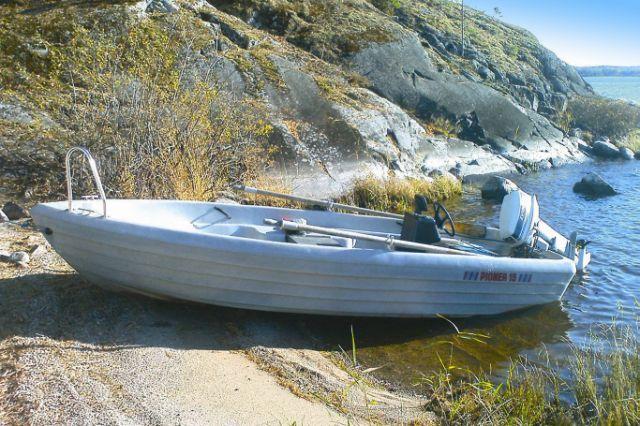 Zusatzboot mit Echolot und Schlepprutenhalter