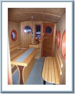 Die Innenansicht des Saunabootes.