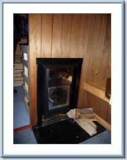 Der Holzofen des Saunabootes.