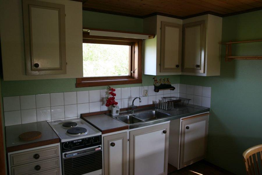 Kleine Küche im Nebenhaus, aber voll ausgestattet.