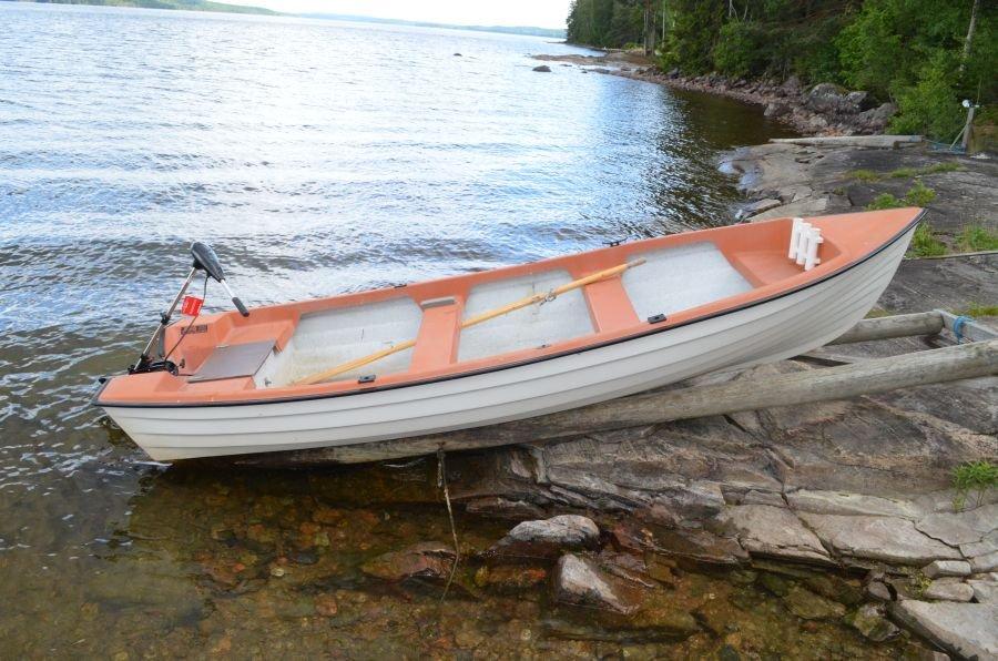Das inkludierte Ruderboot! Achtung! Der E-Motor ist nicht dabei!