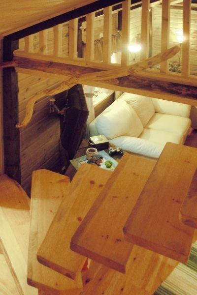 Die Treppe zum Schlafboden.