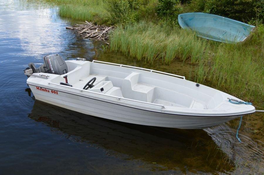 Eines der Zusatzboote.