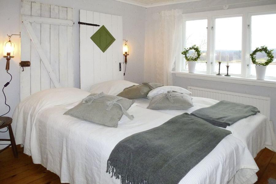 Das zweite Schlafzimmer mit dem gemütlichen Doppelbett.