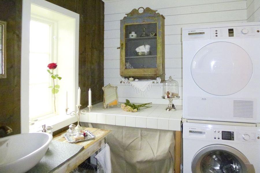 Das Badezimmer, ebenfalls super ausgestattet! Sogar mit einer Waschmaschine und einem Trockner,